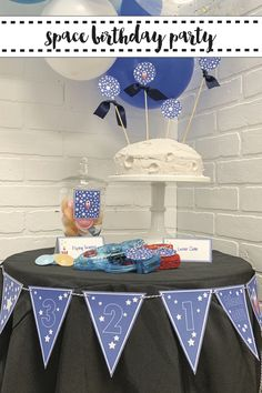 Host an out of this world outer space party for your little astronaut with the tips and FREE party printables from Everyday Party Magazine #Space #SpaceBirthdayParty #PartyPrintables
