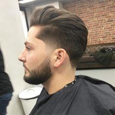 Best 15 Delightful Taper Fade Hairstyles for Men's 2019 - Cool Boys Haircuts Mens Taper Fade, Low Taper Fade Haircut, Temp Fade Haircut, Boys Fade Haircut, Types Of Fade Haircut, Tapered Haircut, Modern Mens Haircuts, Best Fade Haircuts, Mens Hairstyles With Beard