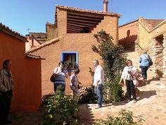 Paseamos y disfrutamos de las calles de Anento. Sus vecinos las cuidan con esmero. Se nota que quieren a su pueblo.