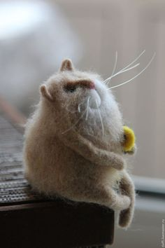they just keep coming.these fluffy sweet ? Needle Felted Cat, Needle Felted Animals, Felt Mouse, Felt Cat, Sock Animals, Cat Doll, Felt Dolls, Soft Sculpture, Felt Ornaments
