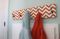 In orange and blue or aqua for L's room?