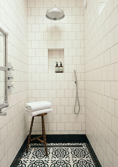 Simple monochrome walk in shower design. Fired Earth Bathroom, Walk In Shower Designs, Downstairs Toilet, Flat Ideas, Tiles, Tile Showers, Interior Design, Bathroom Ideas, Monochrome
