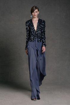 Pantalone avio e giacca lavorata di Donna Karan - Completo da cerimonia con pantalone blu avio