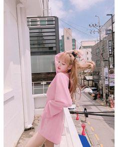 Lalisa Manoban of Blackpink Kpop Girl Groups, Korean Girl Groups, Kpop Girls, Jennie Blackpink, Blackpink Lisa, Lisa Black Pink, Lisa Blackpink Wallpaper, Wallpaper Lockscreen, Wallpapers