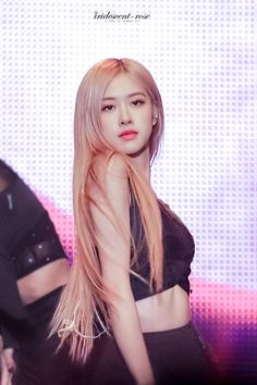 Find images and videos about rose and rosé blackpink on We Heart It - the app to get lost in what you love. 1 Rose, Rose Park, Blackpink Photos, Blackpink Fashion, Jennie Blackpink, Park Chaeyoung, Yg Entertainment, Models, K Idols
