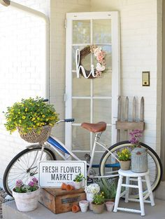 ✓ 55 Farmhouse Front Porch Decor Ideas - We have now some concepts for straightforward and inexpensive vintage farmhouse decor, you may wish to perceive the place it's doable to search out these items. Summer Decoration, Summer Porch Decor, Summer Front Porches, Small Porches, Farmhouse Front Porches, Rustic Farmhouse, Farmhouse Style, Farmhouse Design, Farmhouse Ideas