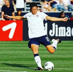 Any Wambach must be classified as one of the greatest women's footballers of all time. She's scored 185 goals in 255 games for the #uswnt and won World Player of the Year award in 2012!  #footyscout #football #soccer #footy #thebeautifulgame #instasoccer #instalike #soccerplayer #soccerislife  #footballer #blogger #mls #follow #love #me #soccergame #futbol #footballclub #soccerball #footballmatch  #instadaily #soccerteam #instagood #footballblog #futebol #abywambach #womenssoccer #canadawnt…