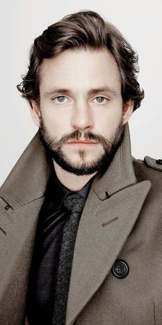 gorgeous Hugh Dancy, amazing style! <3