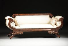 AN AMERICAN CLASSICAL PERIOD CARVED MAHOGANY AND : Lot 315