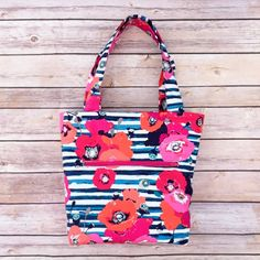 Learn how to sew up this easy tote bag with this free pattern!