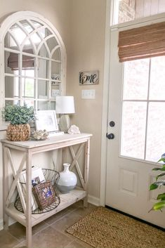 Tips for Decorating a Console Table + Our Entryway Refresh – Kellie Bourque Target Home Decor, Retro Home Decor, Cheap Home Decor, Diy Home Decor, Plywood Furniture, Home Furniture, Furniture Ideas, Home Living Room, Living Room Decor