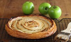 Fine Apple Tart with Verjuice and Honey