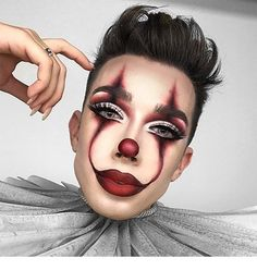 James Charles Pennywise clown makeup Halloween Make - up How to perfect 5 of top Halloween makeup looks Maquillage Halloween Clown, Halloween Makeup Clown, Halloween Makeup Looks, Halloween Halloween, Cute Clown Makeup, Scary Makeup, Halloween Makeup Tutorials, Halloween Inspo, Halloween Ideas For Men