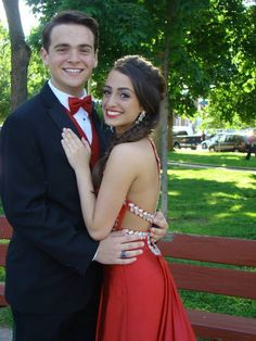 Prom poses; prom picture; prom photo; #prom