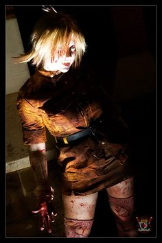 Seras Victoria cosplay - Hellsing Never seen one done so well. Looks dangerous and sexy at the same time