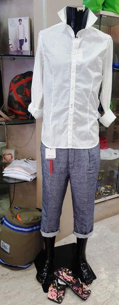 pantalone modello cargo composizione  lino codice articolo unicorno azienda berna colore blue collezione estate 2016 prezzo originale € 95.00 % di sconto -20 prezzo aquiloneshopping.it € 76.00 made in italy