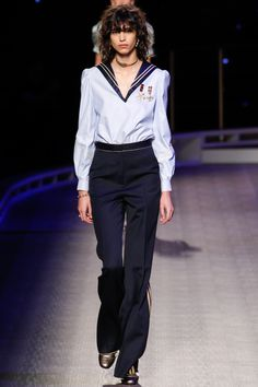 Tommy Hilfiger Fall 2016 Ready-to-Wear Collection Photos - Vogue. Model: Mica Arganaraz