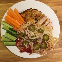 Grilled chicken with cucumbers, carrots, spaghetti and HOT jalapeñoes. 20 minutes