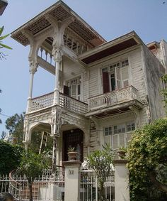 A Traditional Old House of Ottoman-Turk Architecture, in Princes Islands near Istanbul. Turkish Architecture, Art And Architecture, Turkey Travel, Old Building, Old Houses, My Dream Home, Ankara, Beautiful Homes, Ottoman