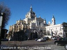 Google Image Result for http://www.madrid-tourist-guide.com/images/int/attractions/palacio-real1.jpg