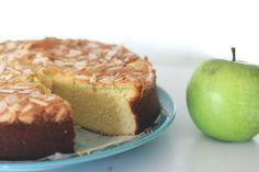 Torta furbissima di mandorle e mele, senza farina, burro nè lievito!