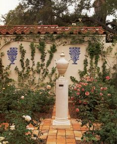 spanish style homes with pool in the middle - Mediterranean Home Decor Products - internationally inspired Spanish Style Homes, Spanish Revival, Spanish House, Spanish Colonial, Landscape Design, Garden Design, Mediterranean Home Decor, Home Scents, Pool Houses