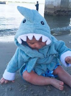 Mom and Dad are going fall for this terry-ific sea-inspired robe--hook, line and little stinker! Baby Aspen's Terry Shark Robe is reel-y fun and oh, so fin! Baby Aspen, Baby Bath Time, Cute Christmas Gifts, Babies Clothes, Baby Boy Gifts, Sweet Memories, Holiday Photos, Little Man, Sharks