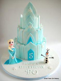Frozen Homemade Elsa Ice Castle Cake Frozen Party Pinterest Homemade Cake And