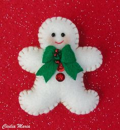 Why You Should Get Your Christmas Decorations Early – Get Ready for Christmas Felt Christmas Decorations, Christmas Ornaments To Make, Christmas Sewing, Felt Ornaments, Christmas Art, Christmas Projects, Felt Crafts, Handmade Christmas, Holiday Crafts