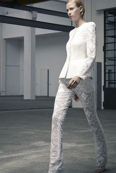 Antonio Berardi - Resort 2014 - Look 22 of 25?url=http://www.style.com/slideshows/fashion-shows/resort-2014/antonio-berardi/collection/22