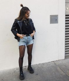Anzeige Leather & denim is always a good idea. Outfit from leat - Anzeige Leather & denim is always a good idea. Outfit from leat Source by - Adrette Outfits, Fall Fashion Outfits, Cute Casual Outfits, Look Fashion, Autumn Fashion, Summer Outfits, Fashion Trends, Edgy Fall Outfits, Black Outfits