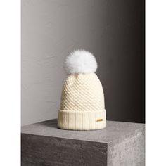 Burberry Bonnet Cachemire, Chapeaux D hiver Pour Femmes, Fourrure Pom Pom  Girl, d3a8fb15bd6