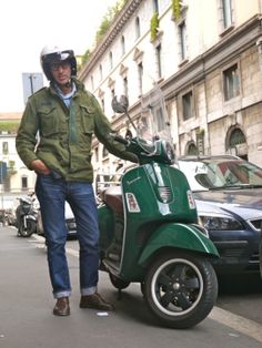 Then, put a splash of vespa to their looks, anyone and everyone Italian Mens Fashion, M65 Jacket, Pool Party Outfits, Vespa Gts, Military Looks, Fashion Mag, Fashion Details, Casual Jeans, Look At You