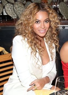 21 Best Beyoncé Hair and Makeup Pictures | StyleCaster