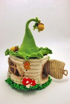 Crochet Patterns Modern Crocheted gnome house for inspiration Modern Crochet, Crochet Home, Crochet Crafts, Yarn Crafts, Crochet Projects, Knit Crochet, Diy And Crafts, Crochet Toys Patterns, Amigurumi Patterns