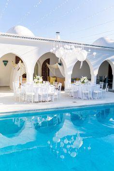 Hochzeitsreportage Michi und Nina | Ibiza #Christina_Eduard_Photography #Hochzeit #Ibiza #Weiße_Hochzeit #Reception #Dekoration #Pool_Hochzeit #Tischgedeck