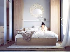 Bedroom storage Solutions - Small Bedrooms Storage Solutions and Decoration Inspiration. Ikea Small Bedroom, Tiny Bedroom Storage, Ikea Bedroom Design, Small Master Bedroom, Small Bedroom Designs, Trendy Bedroom, Small Rooms, Small Spaces, Small Closets