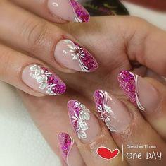 ideas nails Source by isteidle Romantic Nails, Elegant Nails, Stylish Nails, Purple Nail Art, Pink Nails, Acrylic Nail Designs, Nail Art Designs, Cute Nails, Pretty Nails