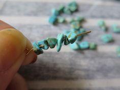 【ミサンガブレスの作り方】初心者でも簡単!平編みの編み方 | Hatorich Diy And Crafts, Bracelets, Handmade, Accessories, Ideas, Make Jewelry, Woven Bracelets, Tejidos, Seed Beads