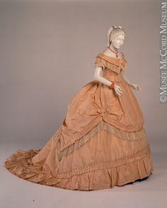 Robe Maison Soinard, Paris Vers 1868-1869, 19e siècle Achat de Mme Roch Rolland M969.1.11.1-4 © Musée McCord