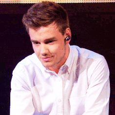 (GIF) OH MY GOSH! LIAM JUST STOP I CANT JUST NOPE