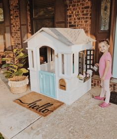 Playhouse Makeover Little Tykes Playhouse, Outside Playhouse, Girls Playhouse, Diy Playhouse, Playhouse Outdoor, Outdoor Toys, Painted Playhouse, Plastic Playhouse, Modern Kids Toys