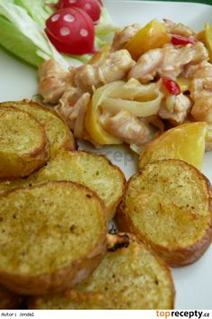 Chicken+butter&olive oil+ginger+curry+white pepper+coconut milk+onion+apple and baked potatoes=AWSOME