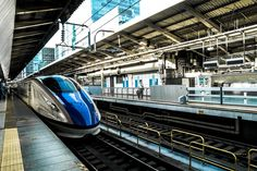 New free stock photo of train public transportation train station #freebies #FreeStockPhotos
