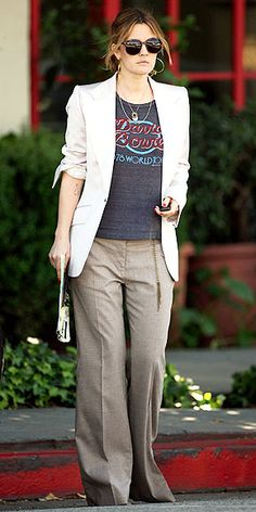 Casual chic. Drew Barrymore :)