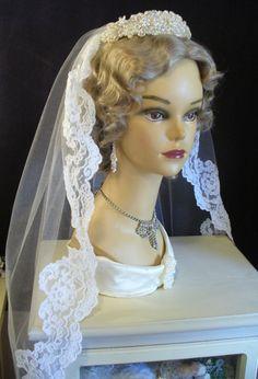 vintage wedding veils princess styled | Vintage Wedding Bridal Veils and Headpieces Ideas fingertips lacy ...