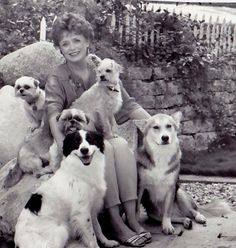 Rue McClanahan, Golden Girl and dog lover. Jungle Animals, Baby Animals, Cute Animals, Golden Girls, Rue Mcclanahan, Happy Paw, All Gods Creatures, German Shepherd Dogs, Mans Best Friend