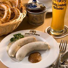 Münchner Weisswurst mit süssem Senf // Munich white sausage with sweet mustard