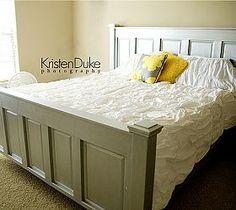 DIY Kingsize-Bett Source by esra_unalan Bedroom Furniture, Bedroom Decor, Painted Furniture, Bedroom Ideas, Bed Ideas, Furniture Dolly, Kitchen Furniture, Homemade Beds, Door Bed