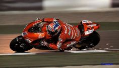 Casey Stoner at full lean.